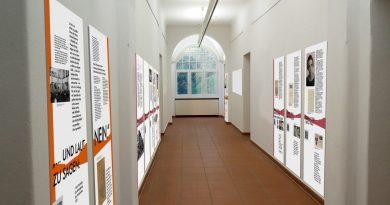 """Einblicke in Ausstellung""""… und laut zu sagen: Nein."""" #closedbutopen"""