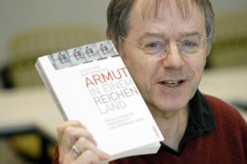 Prof. Dr. Christoph Butterwegge: Altersarmut in Deutschland - die zerrissene Republik @ Forum der Bergischen VHS